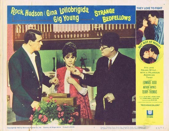 STRANGE BEDFELLOWS Lobby card 6 Rock Hudson Gina Lollobrigida