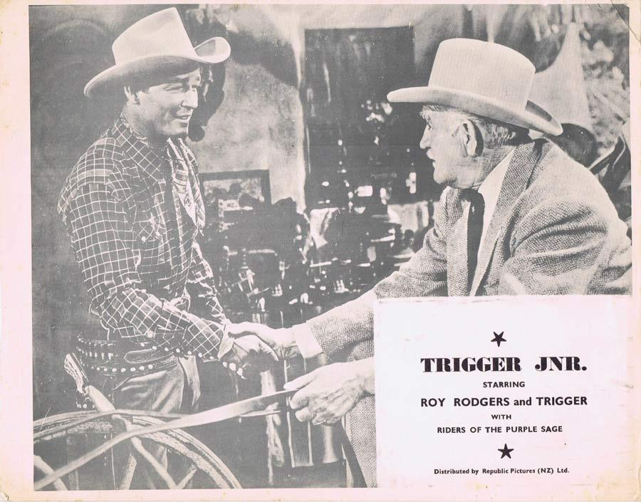 Trigger, Jr., William Witney, Roy Rogers, Dale Evans, Trigger, Grant Withers, Peter Miles, George Cleveland, Gordon Jones, Frank Fenton, Pat Brady