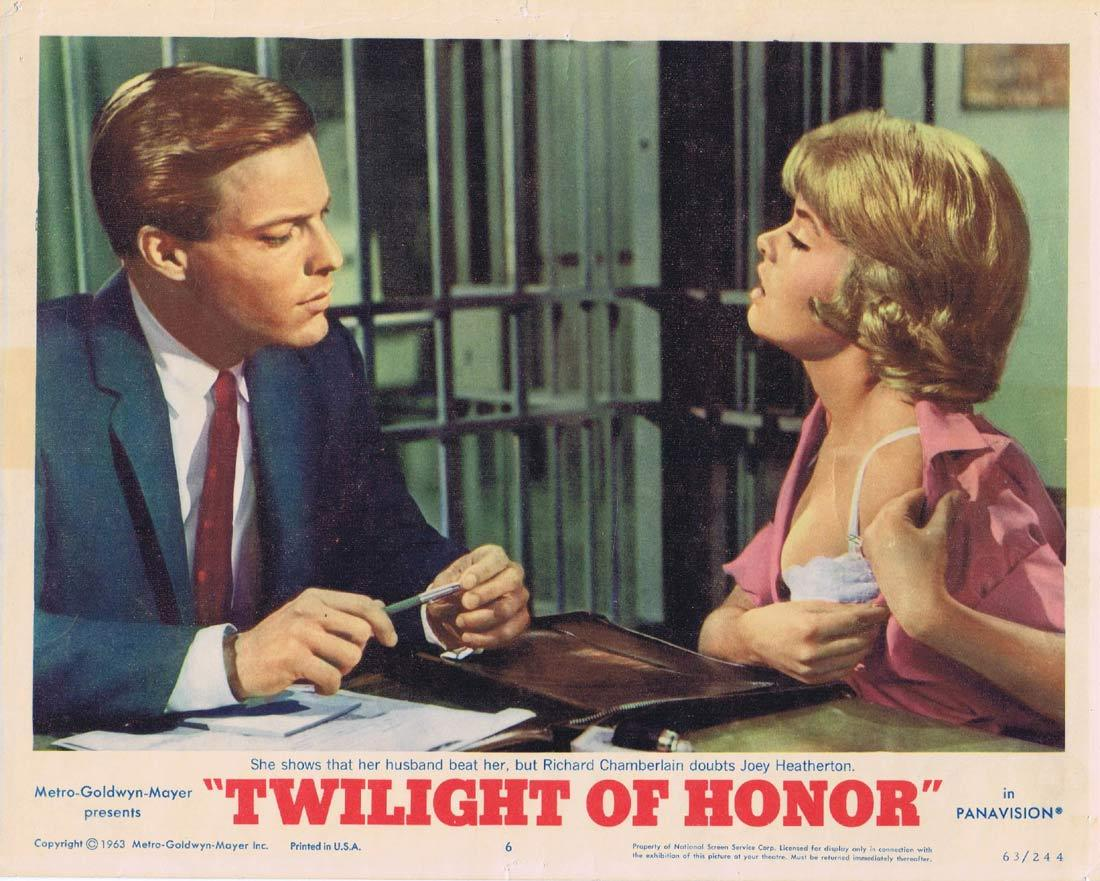 TWILIGHT OF HONOR Original Lobby Card Richard Chamberlain Joey Heatherton