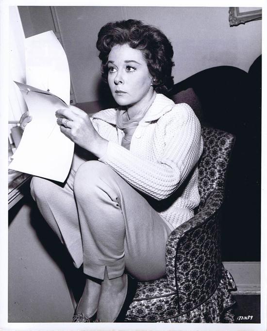 ADA 1961 Vintage Movie Still 38 Susan Hayward looks at Photographs