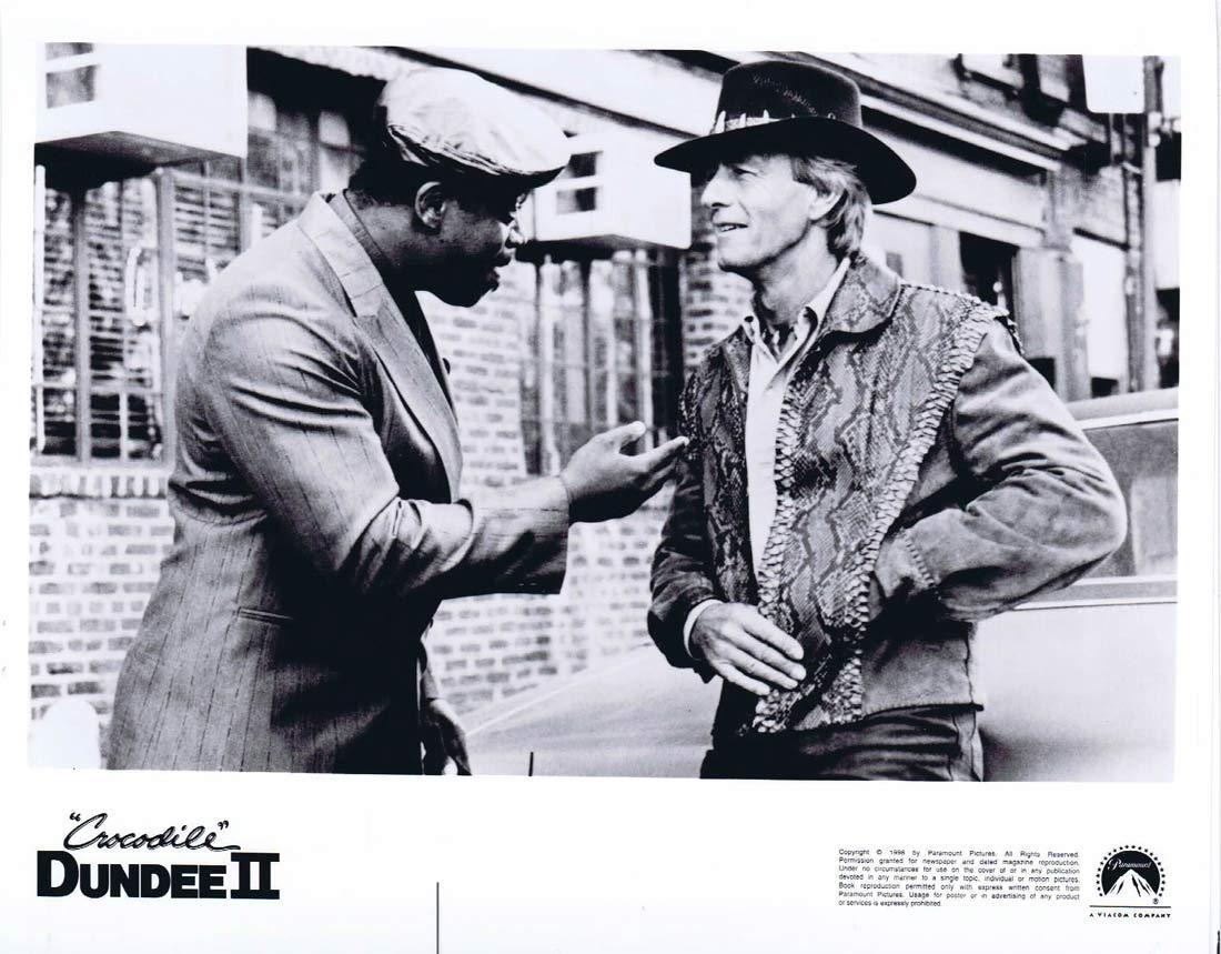 CROCODILE DUNDEE II Original Movie Still 1 Paul Hogan