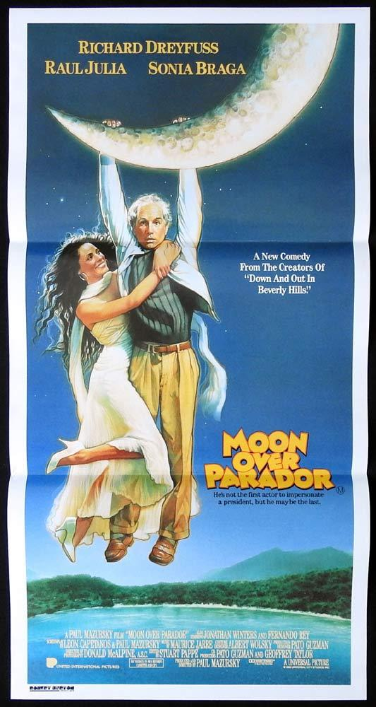 MOON OVER PARADOR Daybill Movie Poster Richard Dreyfuss Raul Julia Paul Mazursky