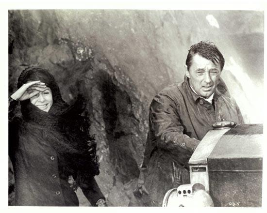 RYAN'S DAUGHTER 1970 Movie Still 27 Robert Mitchum Sarah Miles