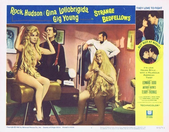 STRANGE BEDFELLOWS Lobby card 4 Rock Hudson Gina Lollobrigida