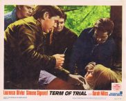 TERM OF TRIAL Lobby Card 4 Laurence Olivier Simone Signoret