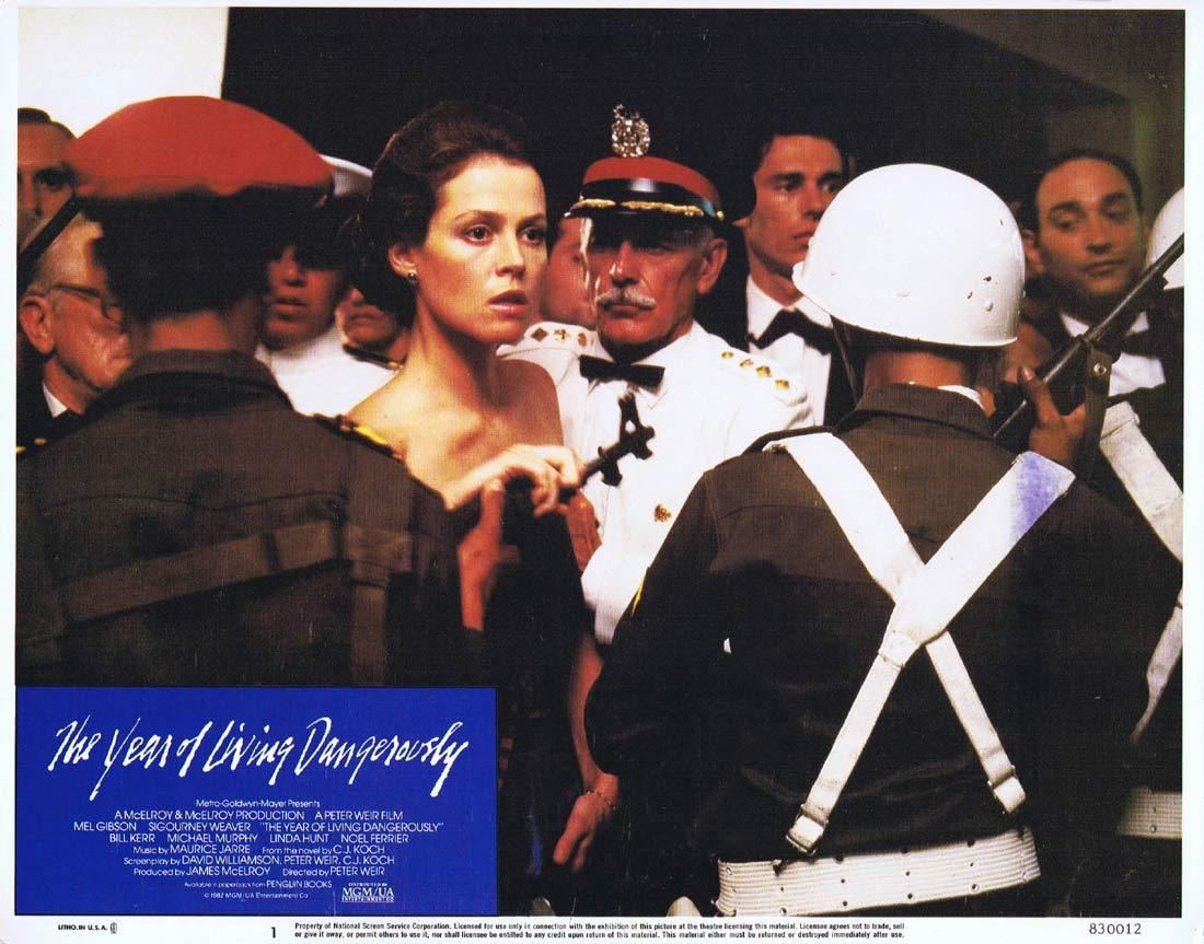 THE YEAR OF LIVING DANGEROUSLY Original Lobby Card 1 MEL GIBSON Peter Weir