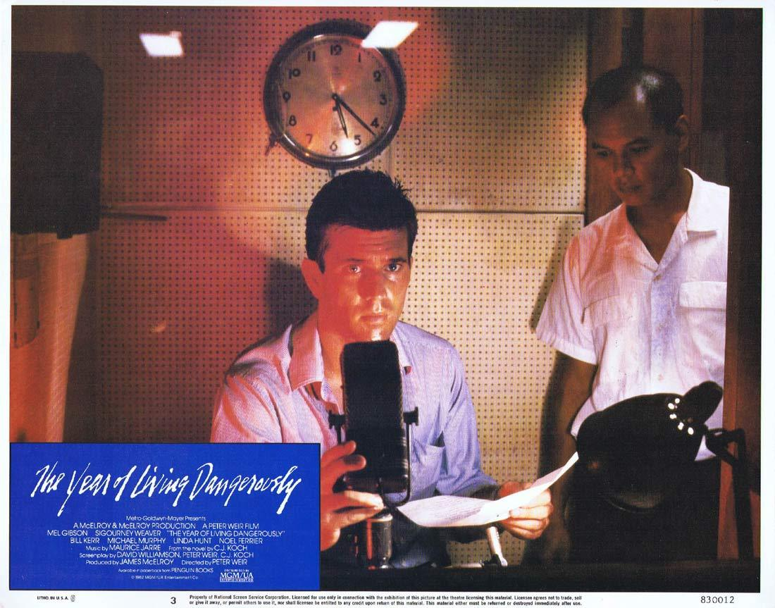 THE YEAR OF LIVING DANGEROUSLY Original Lobby Card 3 MEL GIBSON Peter Weir