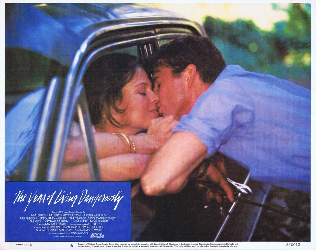 THE YEAR OF LIVING DANGEROUSLY Original Lobby Card 6 MEL GIBSON Peter Weir